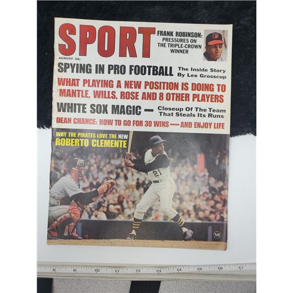 1967 sport magazine (roberto clemente on cover)