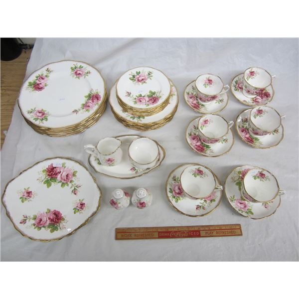 36 Pieces of Royal Albert American Beauty 6 place setting no damage