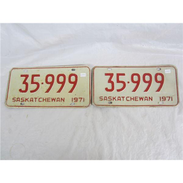 Pair of 1971 Saskatchewan License Plates