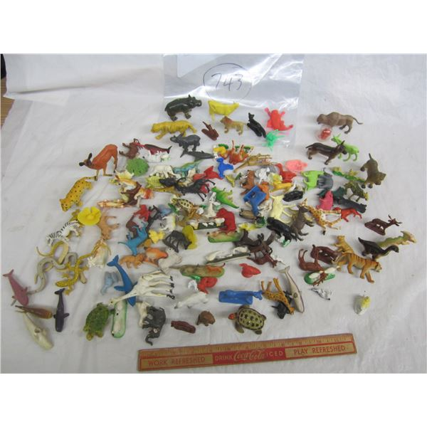 Large Vintage Lot of Toy Zoo Animals