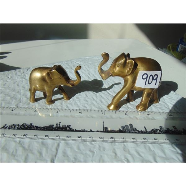 909 TWO SOLID BRASS ELEPHANT FIGURINES