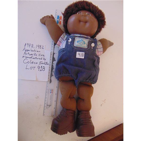 918 1982 COLECO INDUSTRIES CABBAGE PATCH COLOURED DOLL