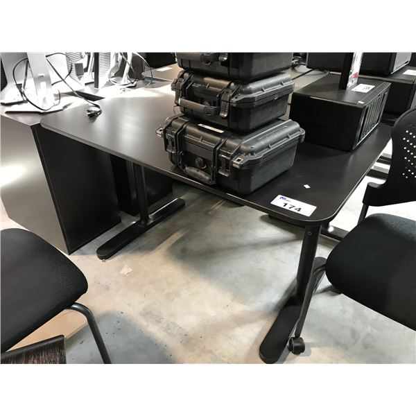 BLACK 4' X 2.5' ADJUSTABLE HEIGHT COMPUTER TABLE