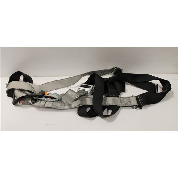 NEW DYNAMIC FULL BODY FALL PROTECTION HARNESS SIZE X-LARGE, 400LB CAPACITY