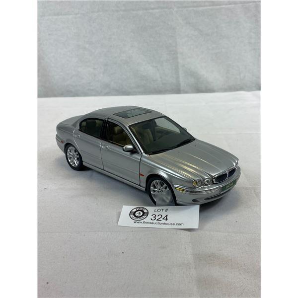 1/18 Scale 2001 Jaguar X Type Die Cast Car