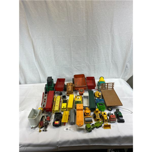 Nice Large Tray Of Misc. Ertl And Other Small Metal And Plastic Toys