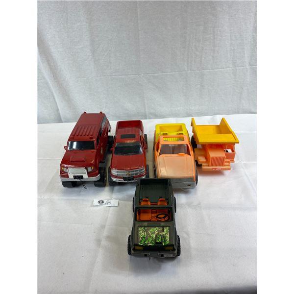 Nice Lot Of Plastic Die Cast Trucks, 4x4, Etc.