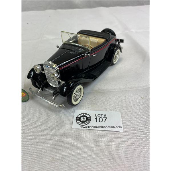 1:24 Scale 1932 V8 Cabriolet