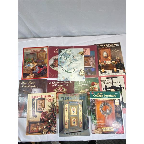 Lot of 12 Folk Art Painting Books with Instructions and Patterns In Good Condition