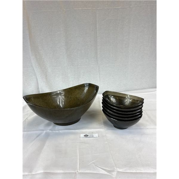 Black Plastic with Gold Flecks 1956 Styson art Salad Bowl Set 1 large 6 Small