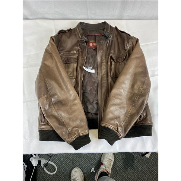 Nice Extra Large Wilsons Leather Jacket in Very Good Condition