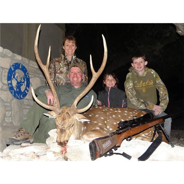 FTW Ranch, SAAM Shooting School and Hunt for 2 in Texas