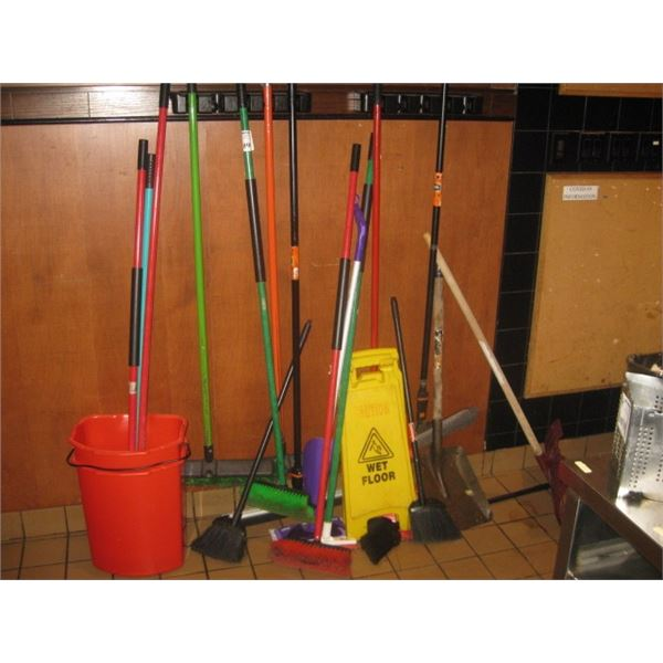 ASSORTED BROOMS / CLEANING ETC