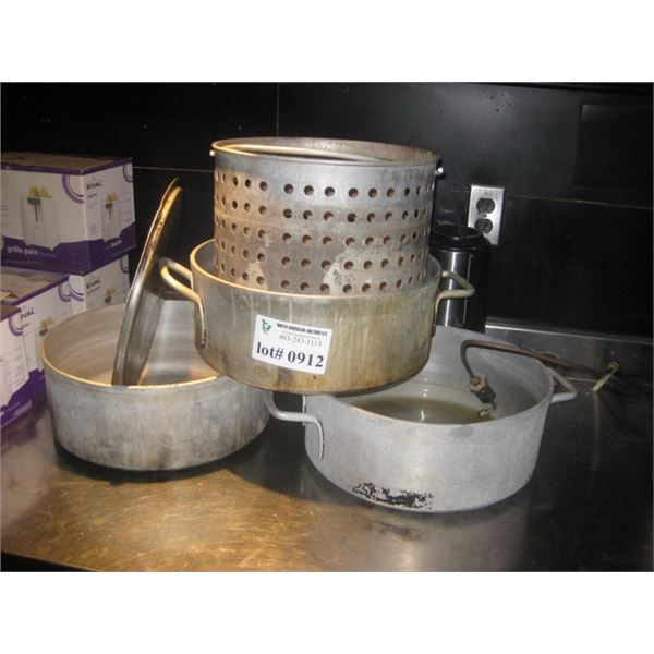3 PC ALUMINUM POT AND ALUMINUM STRAINER