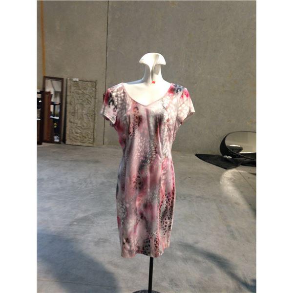 3 DESIGNER DRESSES INCLUDING JOSEPH RIBKOFF AND BIANCA SIZE 10