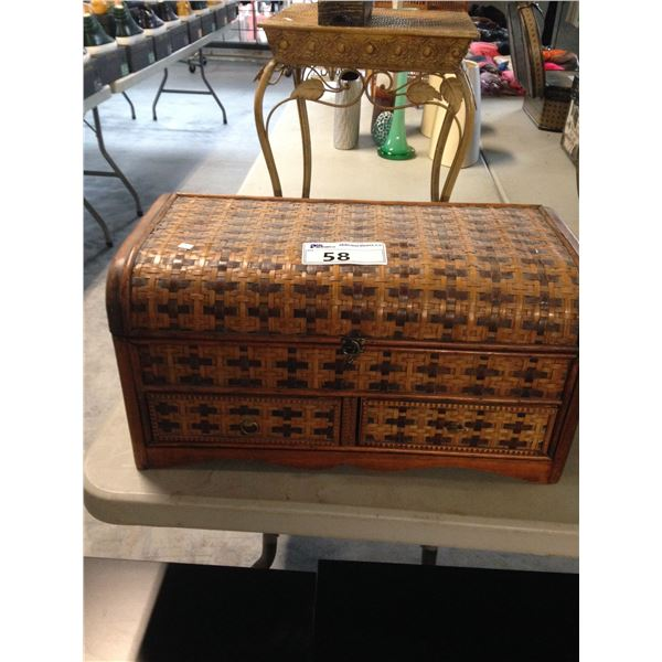 WICKER TRUNK WITH 2 DRAWERS