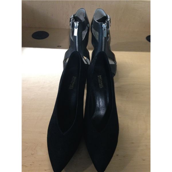 2 LADIES MICHAEL KORS SHOES SIZE 6 AND 8
