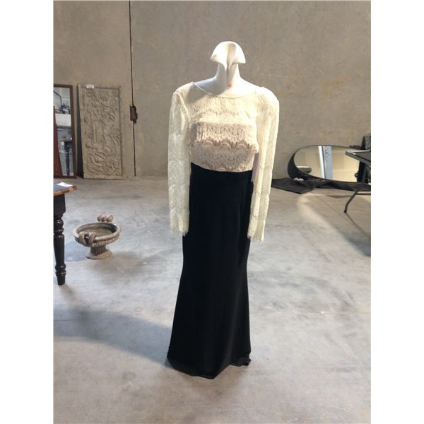 3 DESIGNER DRESSES INCLUDING JS COLLECTION AND SIMON CHANG SIZE 12