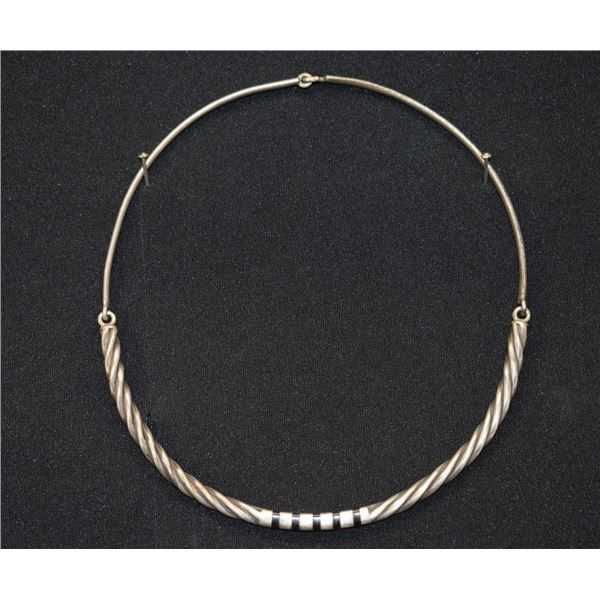 NAVAJO INDIAN CHOKER