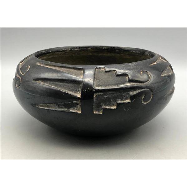 Vintage Santa Clara Carved Pot by Juanita