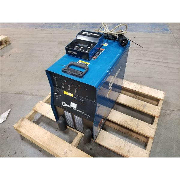 MILLER AUTOVISION II WELDER W/ SETUP PENDANT *SEE PICS FOR DETAILS*