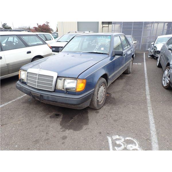 1987 Mercedes-Benz 300E