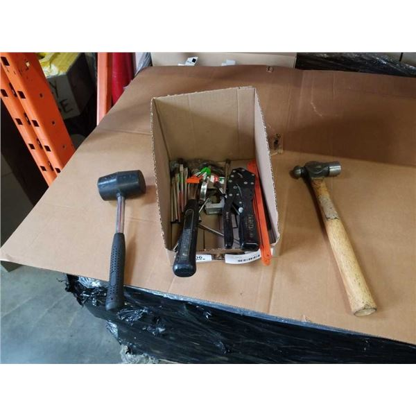 TRAY OF HAND TOOLS, HAMMERS, RUBBER MALLET