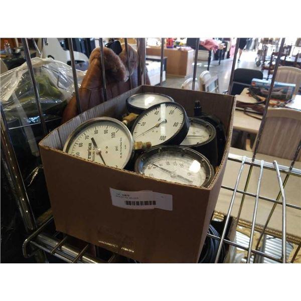 BOX OF PSI GAUGES