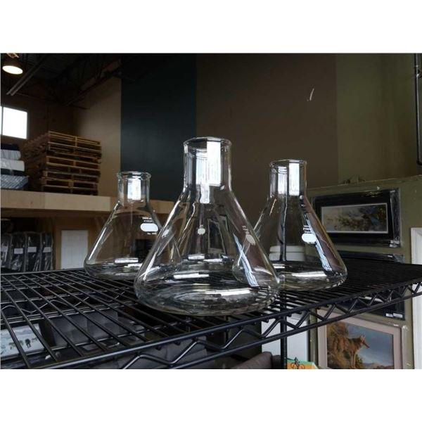 4 glass Pyrex 2800 ml flasks