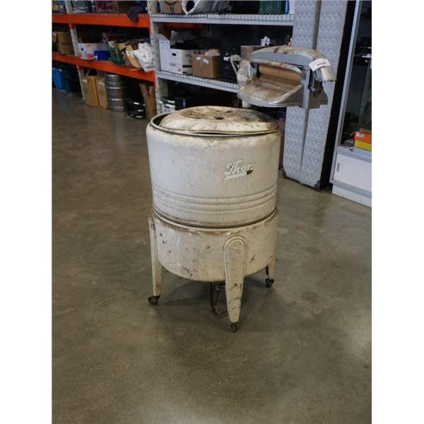 ANTIQUE THOR ELECTRIC WASHING MACHINE