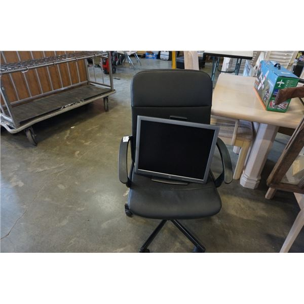 ROLLING GAS LIFT OFFICE CHAIR AND HP MONITOR