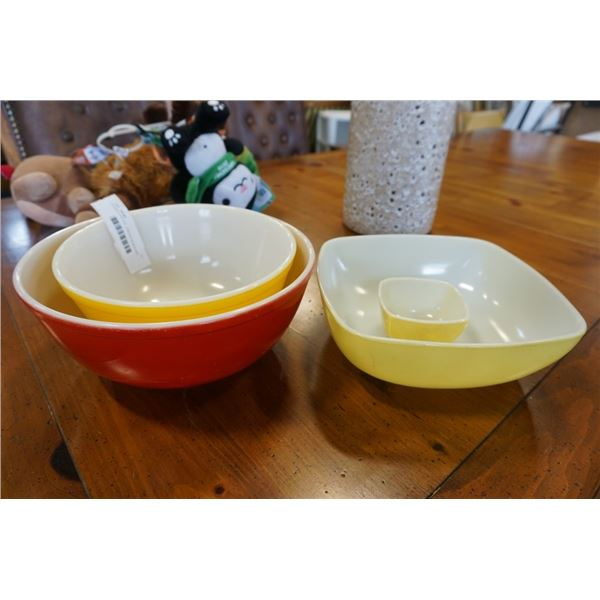 4 PYREX PIECES - 3 MIXING BOWLS AND SMALL SQUARE BOWL