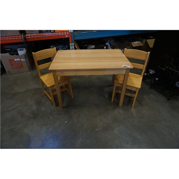 MAPLE KIDS TABLE WITH 2 CHAIRS