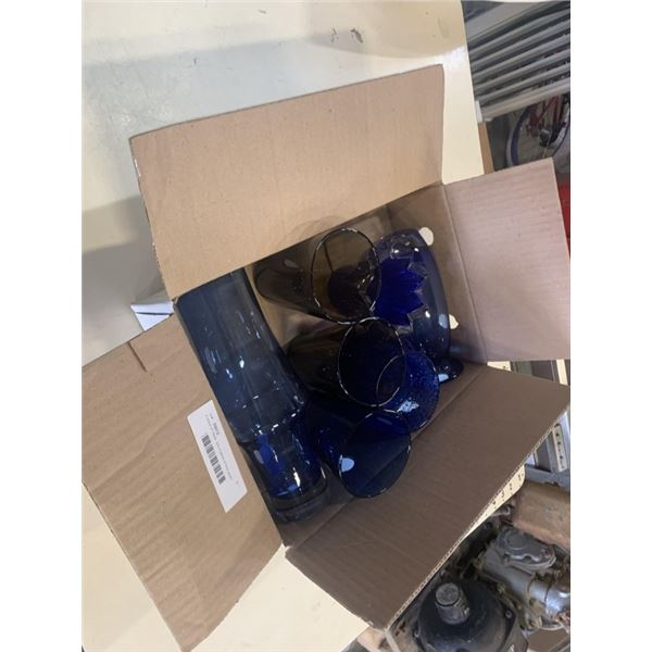 4 piece of IIttala  and 4 piece of blue glass