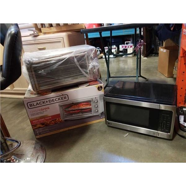 Black and decker toaster oven and microwave oven
