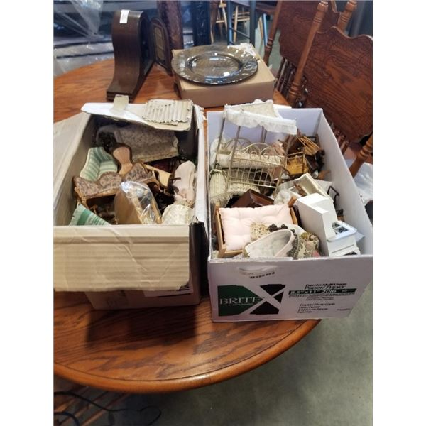 2 BOXES OF VINTAGE DOLL HOUSE FURNITURE