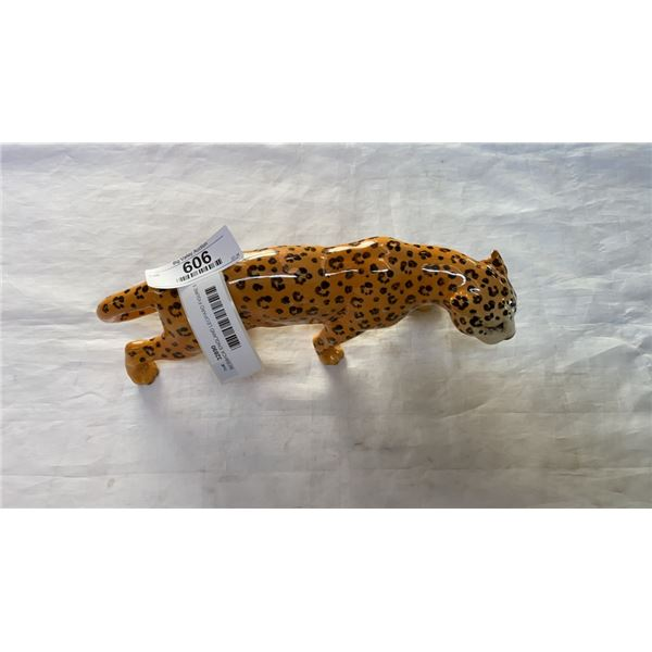 BESWICK ENGLAND LEOPARD FIGURE 5 INCHES TALL 1 FOOT LONG