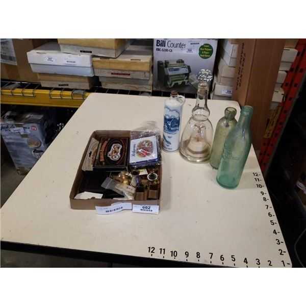 TRAY OF VINTAGE COLLECTABLES, BOTTLES