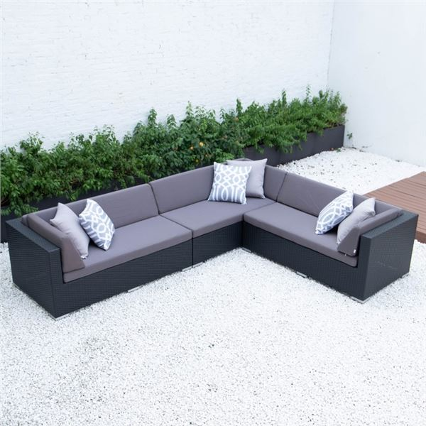 BRAND NEW PREMIUM OUTDOOR GIANT L SECTIONAL W/ DARK GREY CUSHIONS  - RETAIL $2199 POWDER COATED ALUM