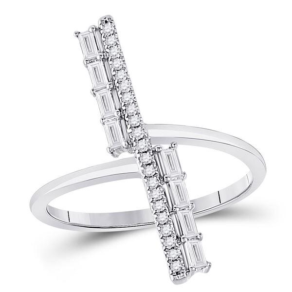 14kt White Gold Womens Baguette Diamond Linear Bar Fashion Ring 1/4 Cttw