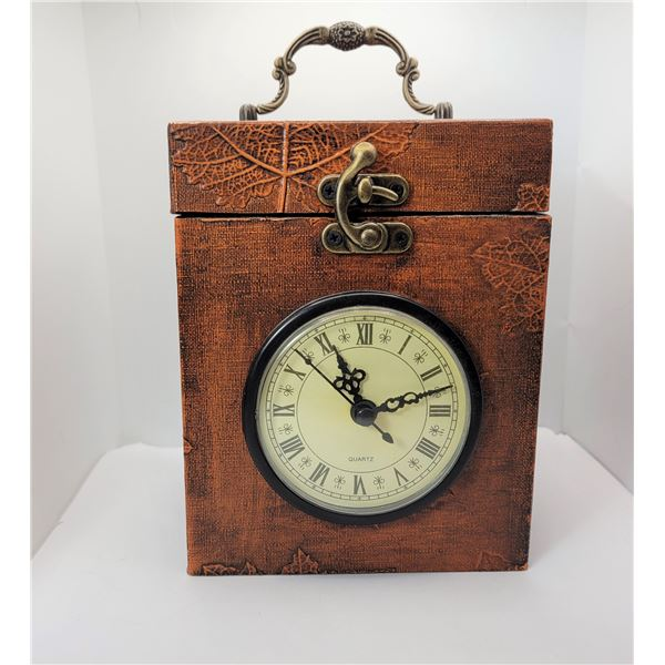 30)  VNTAGE STYLE CARRIAGE CLOCK WITH NEW