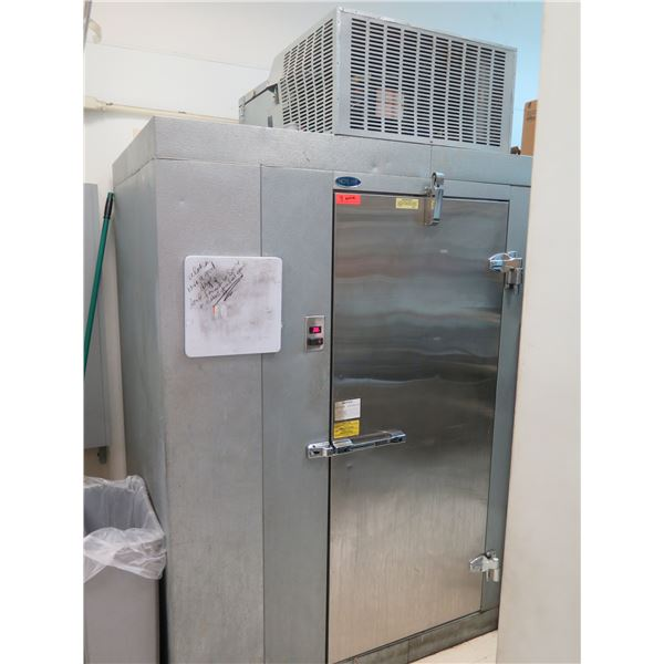 Norlake Walk-In Refrigerator 4ft x 6ft x 6ft' 7-inch w/ Compressor (buyer responsible for safe deins