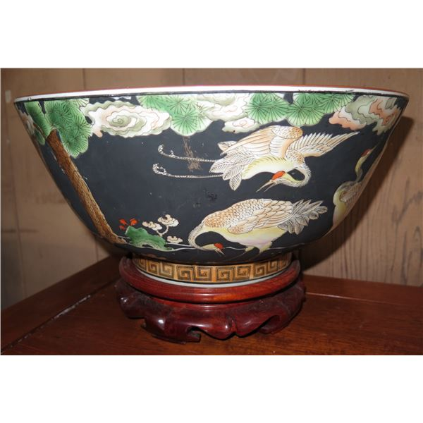 """Chinese Porcelain Bowl w/Stand, Handpainted 14"""" Dia"""
