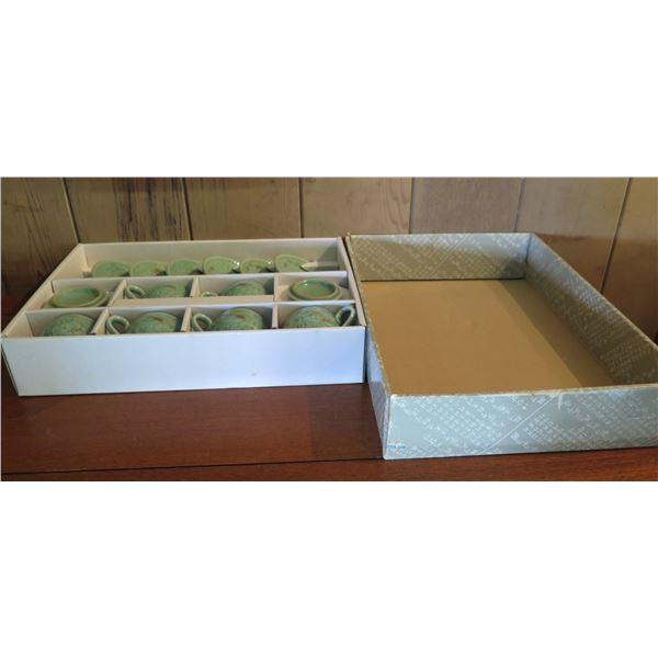Chinese Ceramic Tea Set w/4 Teacups in Box