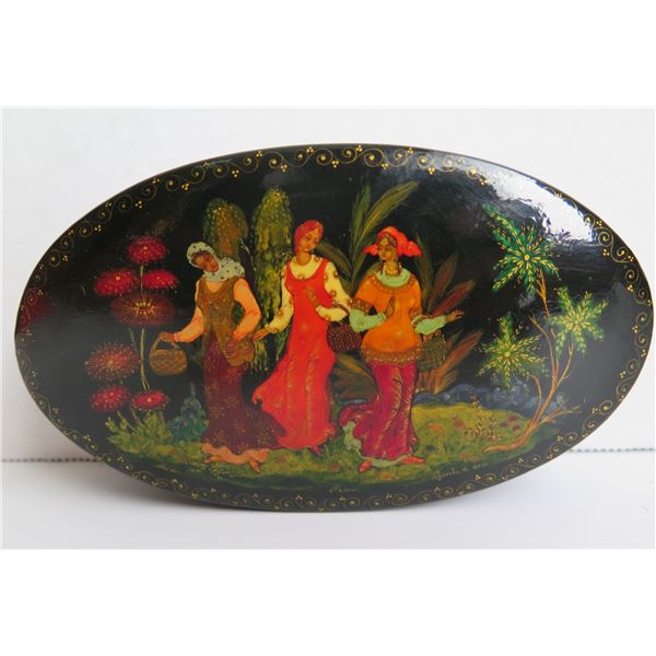 """Russian Lacquered Trinket Box, Oval Hand Painted Signed 5.5"""" W"""