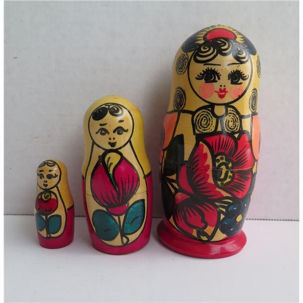 Qty 3 Matryoshka Russian Wooden Nesting Dolls