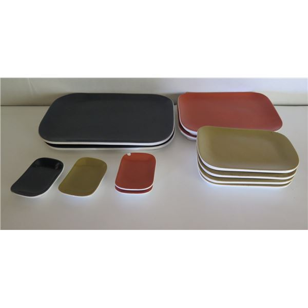 Qty 12 Banana Republic Plates, Various Sizes (1 or 2 Chipped)