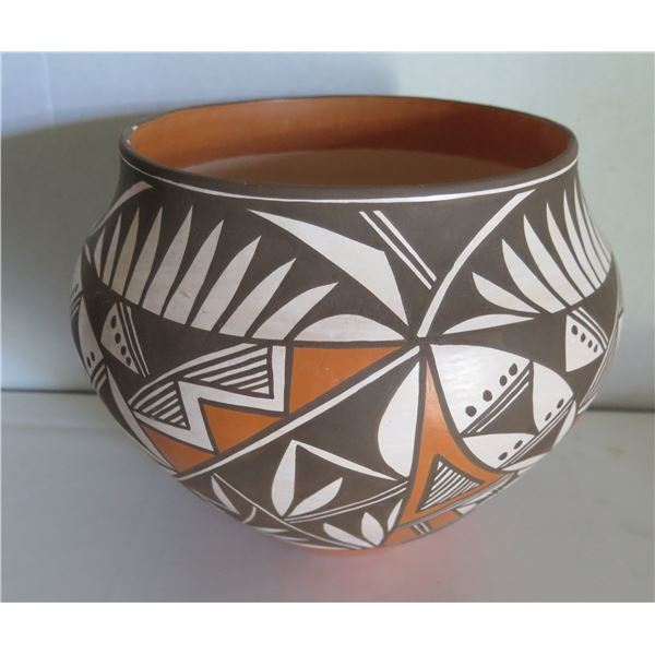 """Acoma Pueblo Hand Painted Pottery Bowl, Signed 10"""" x 11"""""""