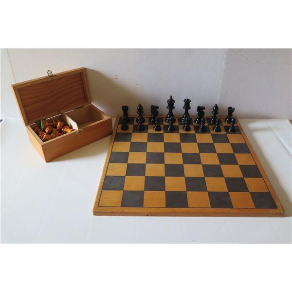 "Staunton Chessmen Boxwood Chess Set, Made in France 15"" x 15"""
