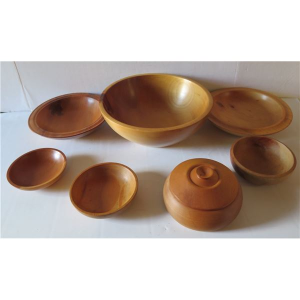 Qty 7 Turned Wooden Bowls, Misc. Sizes 2 New Zealand Signed